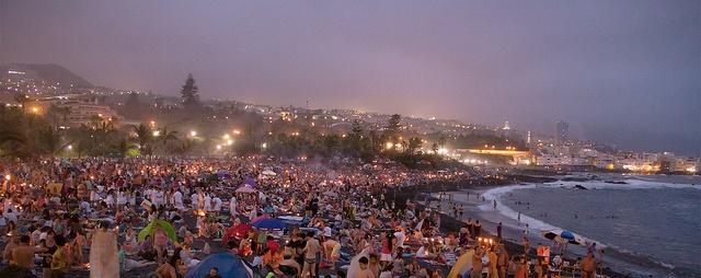 La noche de San Juan se celebra en Puerto de la Cruz